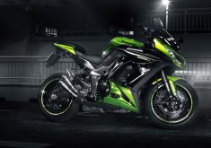 Bike Kawasaki Green Sport Bike 4K Wallpaper