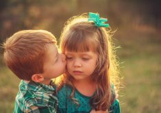 Cute Kids Kissing Love Brother Sister 4K Wallpaper