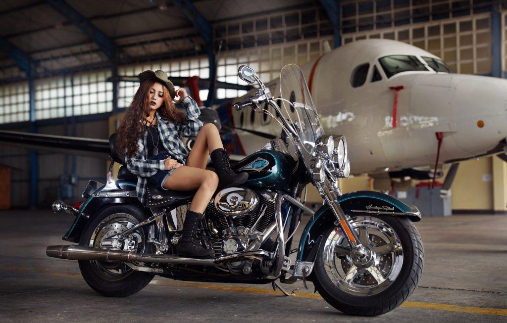 Fashion Girl Bike Harley-Davidson Blue 4K Wallpaper