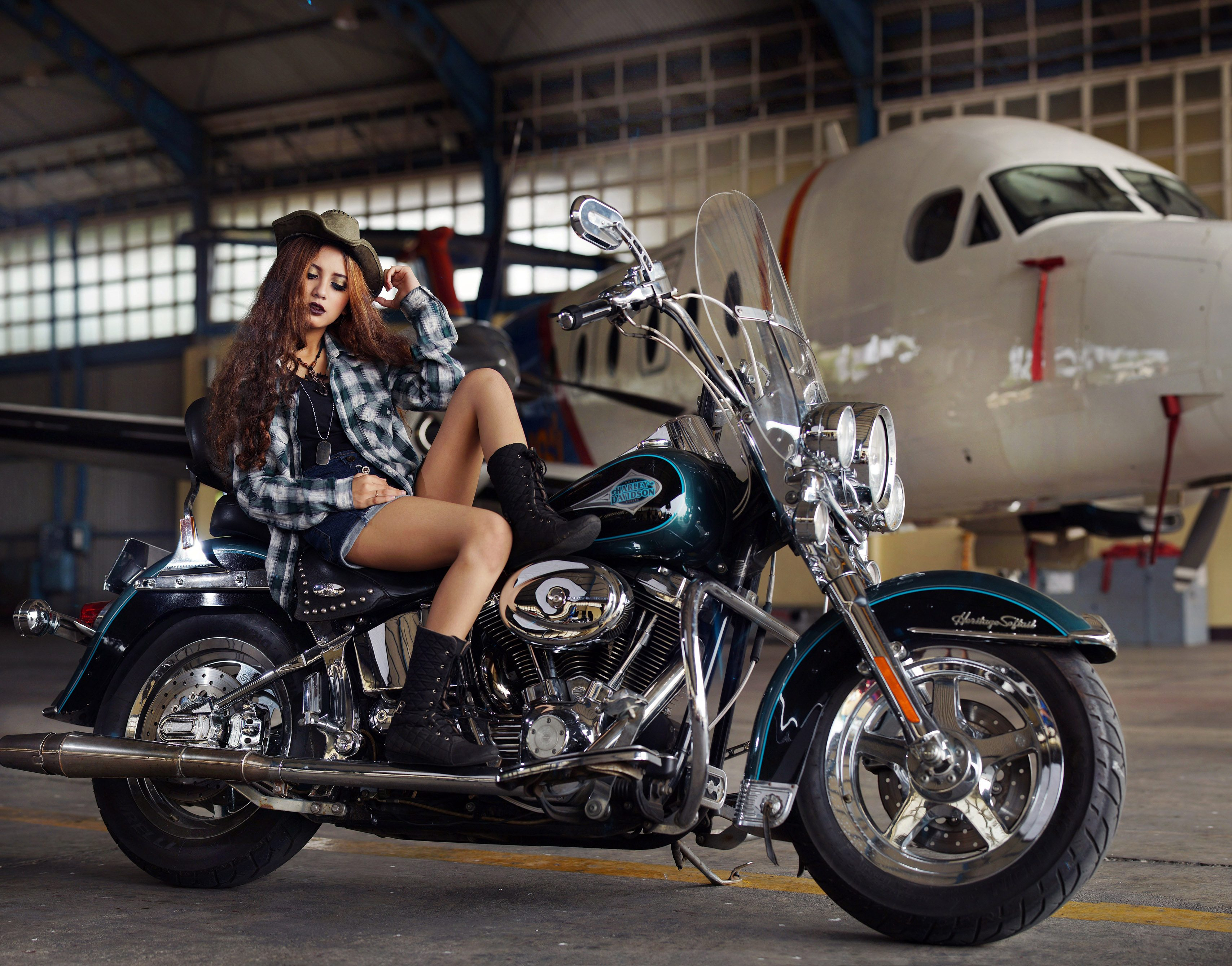 Fashion Girl Bike Harley Davidson Blue 4k Wallpaper Best Wallpapers