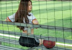 Girl Beautiful Net Ball Bench Green 5K Wallpaper