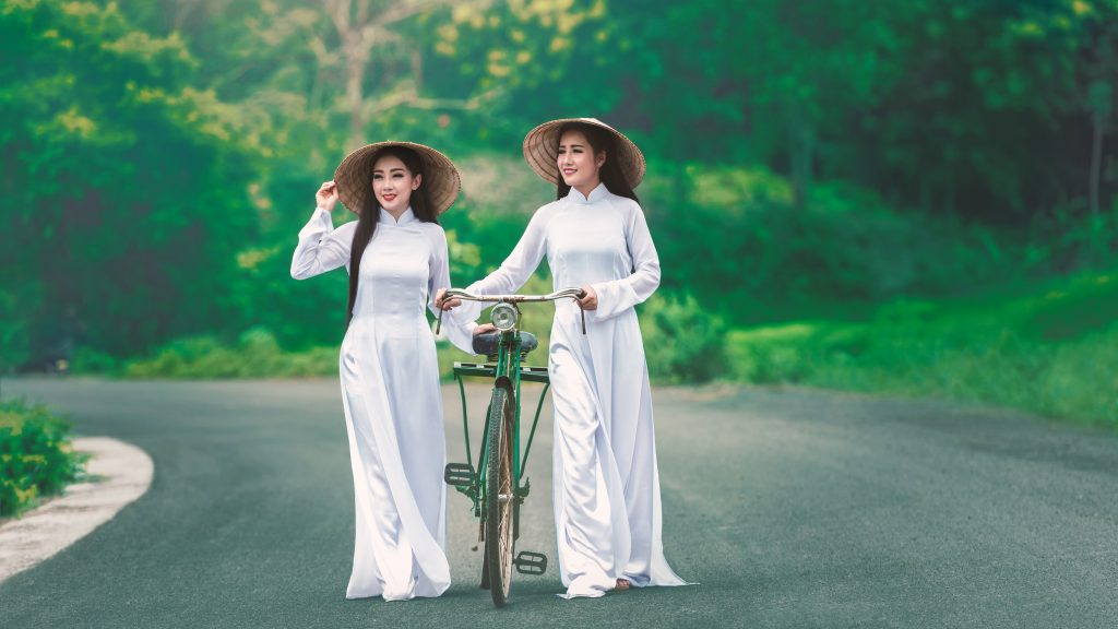 Girls Asian Hats Bicycle Green 5K Wallpaper