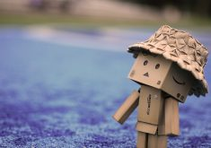 Danbo Cardboard Hat Walk 4K Wallpaper