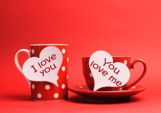 Red Love Mugs 4K Wallpaper