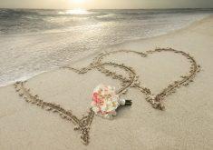 Hearts Beach Send Art 8K Wallpaper